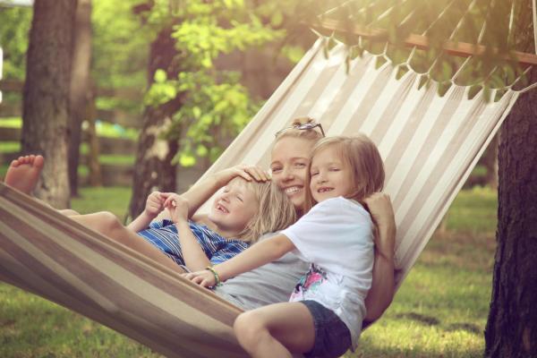 Summer Travel Tips - Denver Child Custody Lawyer - Split Simple